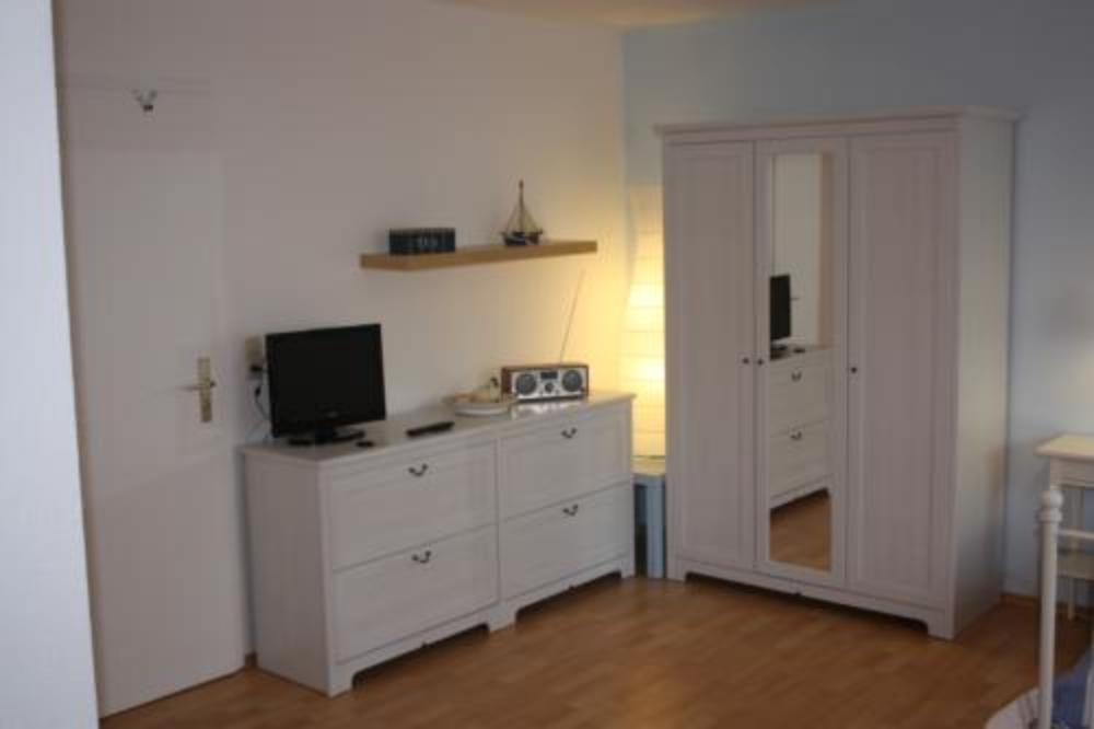 appartement 1. Black Bedroom Furniture Sets. Home Design Ideas